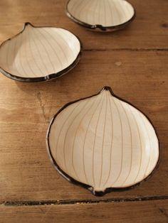 Onion Shaped Small Plate (Japanese Pottery) 豆皿