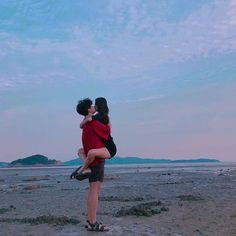 Couple Beach, Gay Couple, Love Couple, Couple Goals, Couple Relationship, Cute Relationship Goals, Cute Relationships, Korean Aesthetic, Couple Aesthetic