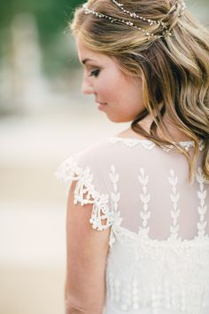 Beautiful bride: http://www.stylemepretty.com/california-weddings/2015/04/03/whimsical-desert-wedding-in-palm-springs/ | Photography: Mi Belle Photography - mibelleinc.com
