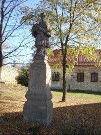 Socha Sv.Jana Nepomuckého: Socha svatého Jana Nepomuckého na podstavci z roku 1753 stávala ve Velké Dobré na návsi před školou. V roce 1957 byla svatojanská socha i s podstavcem odstraněna. V letech 1969-70 byla socha i s podstavcem zrestaurována a u