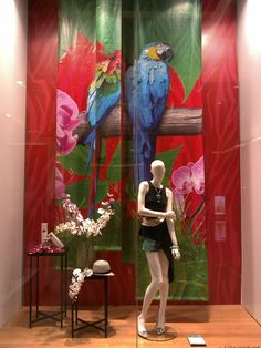 Summer is coming sooooo early at Galeries Lafayette Jakarta with a strong tropical theme on the window display Retail Windows, Store Windows, Tropical Windows, Visual Merchandising Displays, Jungle Theme, Window Art, Display Design, Color Theory, Retail Design