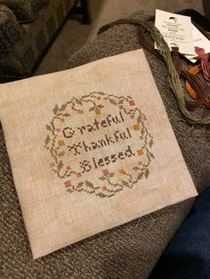 Cross Stitch Charts, Needlework, Burlap, Daisy, Reusable Tote Bags, Embroidery, Dressmaking, Sewing, Hessian Fabric