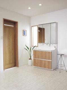耐水性や足ざわりに配慮 洗面室の床材の種類と選び方 [住宅のプロが ... 既存の床に上から貼ることができるため、短工期で省コストなリフォーム向けの素材。 [NEW WPBリフォームフロアー]