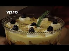 Recept Kersttrifle - Koken met Van Boven - YouTube Pudding, Trifles, Desserts, Food, Youtube, Tailgate Desserts, Deserts, Custard Pudding, Essen