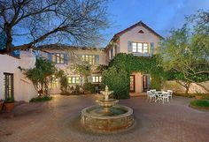 Singer Linda Ronstadt, who was recently inducted into the Rock and Roll Hall of Fame, is selling her charming 1929 Mediterranean-style home in Tucson. It was designed by the architect Roy Place.
