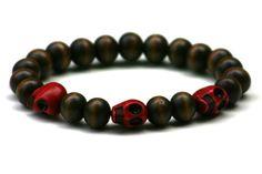 Wood Junkie Pearl Bracelet 9mm 3 Small Skulls Dark Brown/ Red - Urban Classics-Shop.nl