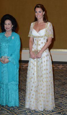 KATE MIDDLETON LOOKBOOK September 13, 2012 Where: With Sultanah Tuanku Haminah binti Hamidun at an official dinner hosted by Malaysia's Head of State Sultan Abdul Halim Mu'adzam Shah of Kedah in Kuala Lumpur, Malaysia.