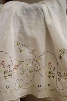 REKONSTRUERT DAMEBUNAD FRA VESTFOLD Curtains, Norway, Shower, Barn, Prints, Folklore, Costumes, Home Decor, Rain Shower Heads