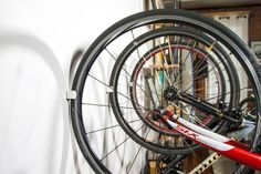 clug-minimalistic-bicycle-storage-solution-02