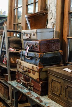 Spring 2017 Trends From Round Top Antiques Week - Salvaged Living Vintage Suitcases, Vintage Luggage, Antique Decor, Vintage Antiques, Vintage Decor, Fall Craft Fairs, Vintage Trunks, Antique Show, Wooden Crates