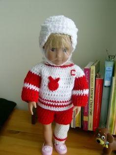Free Crochet DETROIT RED BUNNIES Pattern: http://www.crochetville.org/forum/showpost.php?p=671579&postcount;=1