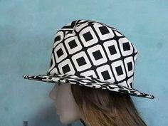decodolphin.net Tokyo Japan, Hats, Collection, Fashion, Moda, Tokyo, Hat, Fashion Styles, Fashion Illustrations