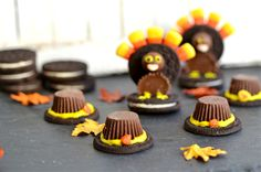 How clever   Oreo turkeys and pilgrim hats  Thanksgiving decor treat