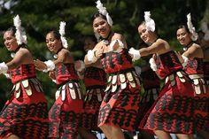Tauolunga one of Tonga's traditional dances. #Tonga #Culture #People #Tradition #Oceania