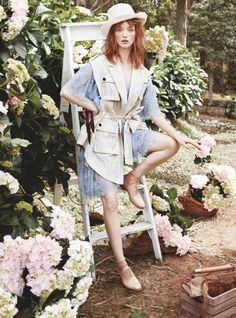 garden editorial - Photographer Corrie Bond captures 'In Bloom', a glam garden editorial that is lensed for the pages of Marie Claire Australia. High Fashion Photography, Glamour Photography, Lifestyle Photography, Editorial Photography, Saul Leiter, Beauty Editorial, Editorial Fashion, Moda Australiana, Marie Claire Australia