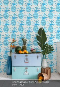 Are you a lover of pineapple drinks and sun? Would you like your house to look a little more tropical despite being in autumn or winter? A good option to introduce tropical touches at home. Interior Tropical, Tropical Decor, Modern Tropical, Deco Pastel, Do It Yourself Design, Estilo Tropical, Interior And Exterior, Interior Design, Interior Ideas