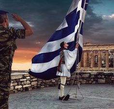 Honour to the flag Athens - Greece Zorba The Greek, Greek Flag, Greece Pictures, Greek Warrior, Greece Islands, Army & Navy, Athens Greece, Big Love, Skull Art