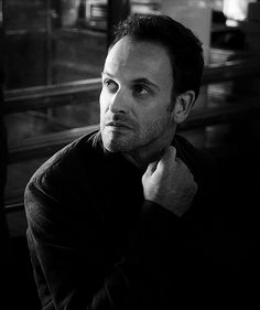 Jonny Lee Miller Elementary Tv Show, Elementary My Dear Watson, Detective, Sherlock Holmes Elementary, Johnny Lee, Jonny Lee Miller, Human Pictures, James Mcavoy, Actors & Actresses