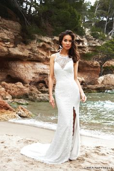 Linea Raffaelli - BohoLove - Set 16 - Lace wedding dress with high neckline  and sexy slit - Bridal collection