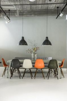 Lovely office conference room #meetingspace #design #moderndesign http://www.ironageoffice.com/
