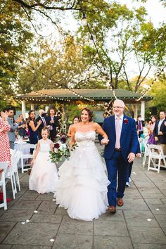 String lighting is all the rage at evening receptions, but have you considered adding them to the ceremony? This Dallas wedding was full of stunning classic wedding decor. Outdoor Wedding Inspiration, Boho Wedding Decorations, Fall Wedding Colors, Dallas Wedding, Wedding Moments, Wedding Couples, Getting Married, String Lighting, Wedding Photography