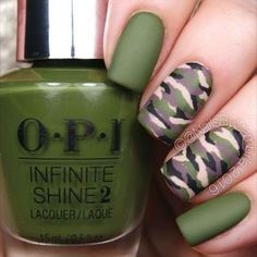 Easy Camo Nails – How To Do It In Simple Steps! Camo nails are quite easy and fun to play around with. We have gathered here the easiest to recreate and the trendiest ideas here. Camouflage Nails, Camo Nails, Fun Nails, Camo Nail Art, Camo Acrylic Nails, Plaid Nail Art, Nail Shapes Squoval, Nails Shape, Ring Finger Nails