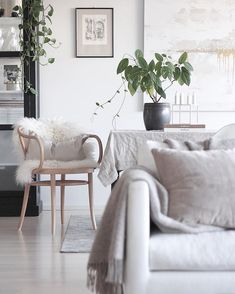 Home And Living, Living Room, Modern Loft, Cool Ideas, Scandinavian Modern, Dining Area, Decorating Your Home, Accent Chairs, Sweet Home