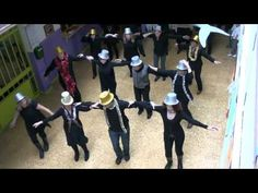 NAVIDAD MANUEL LLANO 2011 MAESTROS Y COMPAÑEROS - YouTube Christmas Carol, Xmas, Musical, Youtube, Mothers Day Crafts, Christmas Music, Songs, Natal, Weihnachten
