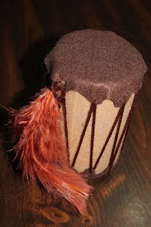 Indian Drum -Native Americans Unit Study toilet paper roll, felt, brown yarn, and feathers Drums For Kids, Drum Lessons For Kids, American Day, Native American Indians, Native Americans, American Crafts, American History, Drum Craft, Cherokee Tribe
