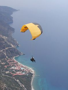Be with those who help your being. Paragliding, Blue Lagoon, Cool Pictures, Clouds, Sky, Places, Nature, Travel, Animals