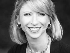 Amy Cuddy's research on body language reveals that we can change other people's perceptions — and even our own body chemistry — simply by changing body positions. | Amy Cuddy | Speaker | TED.com
