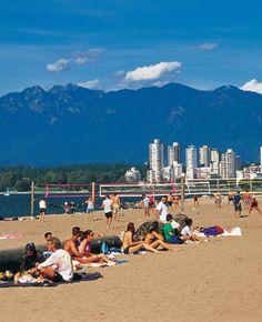 Kitsilano Beach (Kits Beach) Vancouver, British Columbia, Canada - 10 Best City Beaches in the World Vancouver Chinatown, Vancouver Neighborhoods, Vancouver Beach, Vancouver Island, Visit Vancouver, World Beautiful City, South Padre Island, Family Resorts, Belle Villa