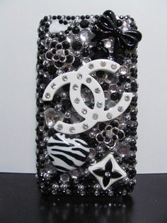 NEED this cute chanel case