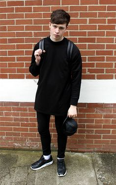 Adyn Essential Sweater, Nike Tier 0 Air Max, Asos Leather Snapback
