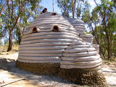 earth bag guest accom at Milkwood Farm Rocket Mass Heater, Free Floor Plans, Adobe, Earth Bag Homes, Normal House, Earth House, Eco Architecture, Underground Homes, Natural Building