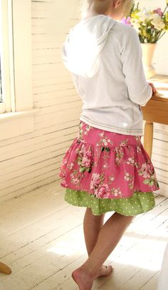 free sewing pattern for a Ruffled Skirt :: easy tutorial