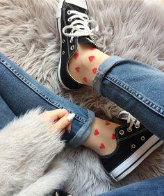 """Gefällt 2,112 Mal, 73 Kommentare - Sarah  (@sarahsfavorites) auf Instagram: """"Happy Monday ♥️ in love with #heartsocks - diesen Trend mit den süßen Söckchen finde ich einfach…"""""""