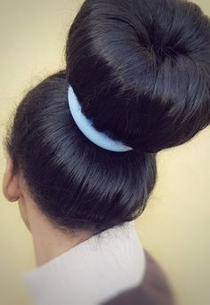 Bun Hairstyles For Long Hair, Hairstyles Haircuts, Style Hairstyle, Geisha, Donut Bun, Big Bun, Stylish Hair, Bad Habits, World Best Photos