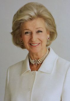 HRH Princess Alexandra of Kent wearing her floral tiara set with pearls, a pair of pearl and diamond earrings, a pearl necklace and a pearl and diamond brooch. Sophie Winkleman, Windsor, Duke And Duchess, Duchess Of Cambridge, Prince Michael Of Kent, Alexandra Of Denmark, Queen And Prince Phillip, Hm The Queen, Queens