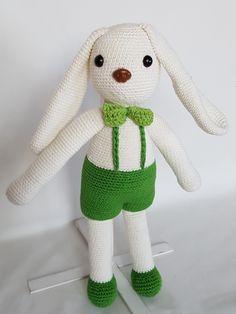 Crochet Rabbit. Królik zrobiony na szydełku. hand made dolls cotton crochet rabbit toy gift girl lalki królik szydełko zabawka ręczna praca ręczne robótki bawełna