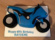 Motorbike Cake Happy 40th Birthday, Boy Birthday Parties, Birthday Cupcakes, Motor Cake, Motorcycle Cake, Cakes For Men, Novelty Cakes, Diy Cake, Party Desserts
