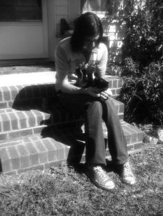 seth avett with a kitten (not in his mouth)<--- I've pinned this photo before, but I love the new comment! ;)