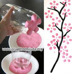 Pintando flores com garrafa pet - Pra Gente Miúda