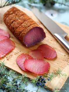 Smaczna Pyza sprawdzone przepisy kulinarne: Suszony schab wieprzowy na ostro. Schab z pończochy Smoking Meat, Party Snacks, Sausage, Food And Drink, Bread, Recipes, Tattoo, Pork, Home Canning