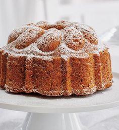 Babiččina ořechová bábovka | Recepty Albert Vanilla Cake, Banana Bread, Cheesecake, Sweet, Internet, Decor, Kitchens, Mascarpone, Candy