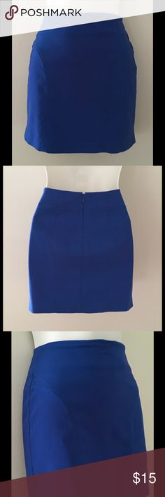 "FOREVER21 DK PERIWINKLE BLUE MINI SKIRT SIZE S/P Really cute body hugging blue mini skirt. Great color and perfect for showing your tanned and toned legs. Size: S/P Waist: 23"" Length: 14"" Front darts give it a nice design. Rayon, Nylon and Spandex Machine Wash Forever 21 Skirts Mini"