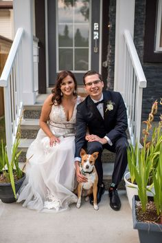 This charming Edmonton Wedding is fresh on the blog! And it includes an adorable pup! :)