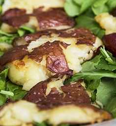 Italian Crushed Red Bliss Potatoes with Ken's Lite Northern Italian with Basil & Romano - recipe Potato Dishes, Vegetable Sides, Vegetable Side Dishes, Savoury Dishes, Potato Recipes, Vegetable Recipes, Nan Recipe, Red Bliss Potatoes, Cooking Recipes