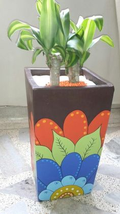 Resultado de imagen para macetas cuadradas pintadas a mano y decoradas Flower Pot Art, Flower Pot Crafts, Clay Pot Crafts, Diy And Crafts, Painted Plant Pots, Painted Flower Pots, Pots D'argile, Clay Pots, Pot Jardin