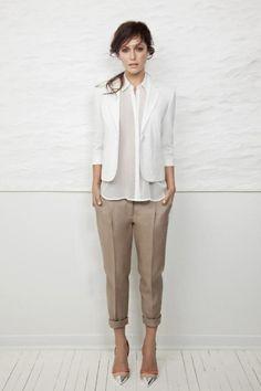 Business Outfit Frau blazer weiß hemd